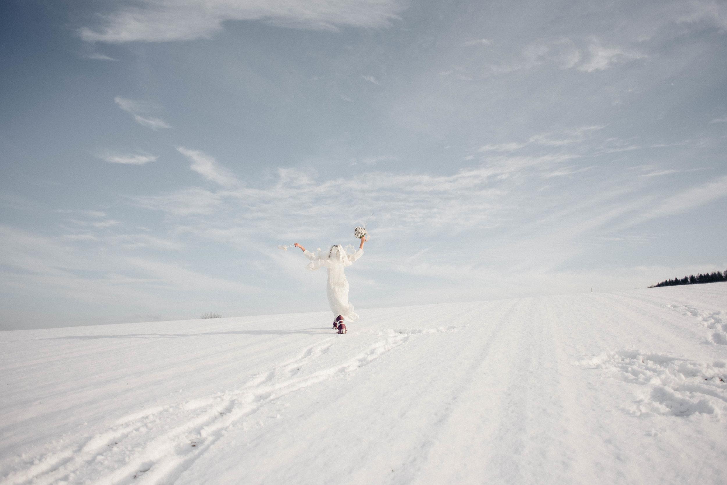 Snow Bride Winterhochzeit Schnne Braut-2344.jpg