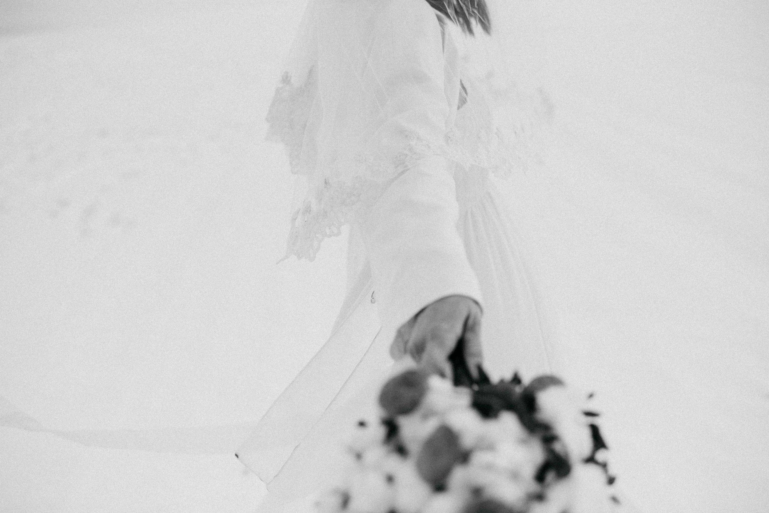 Snow Bride Winterhochzeit Schnne Braut-2904.jpg
