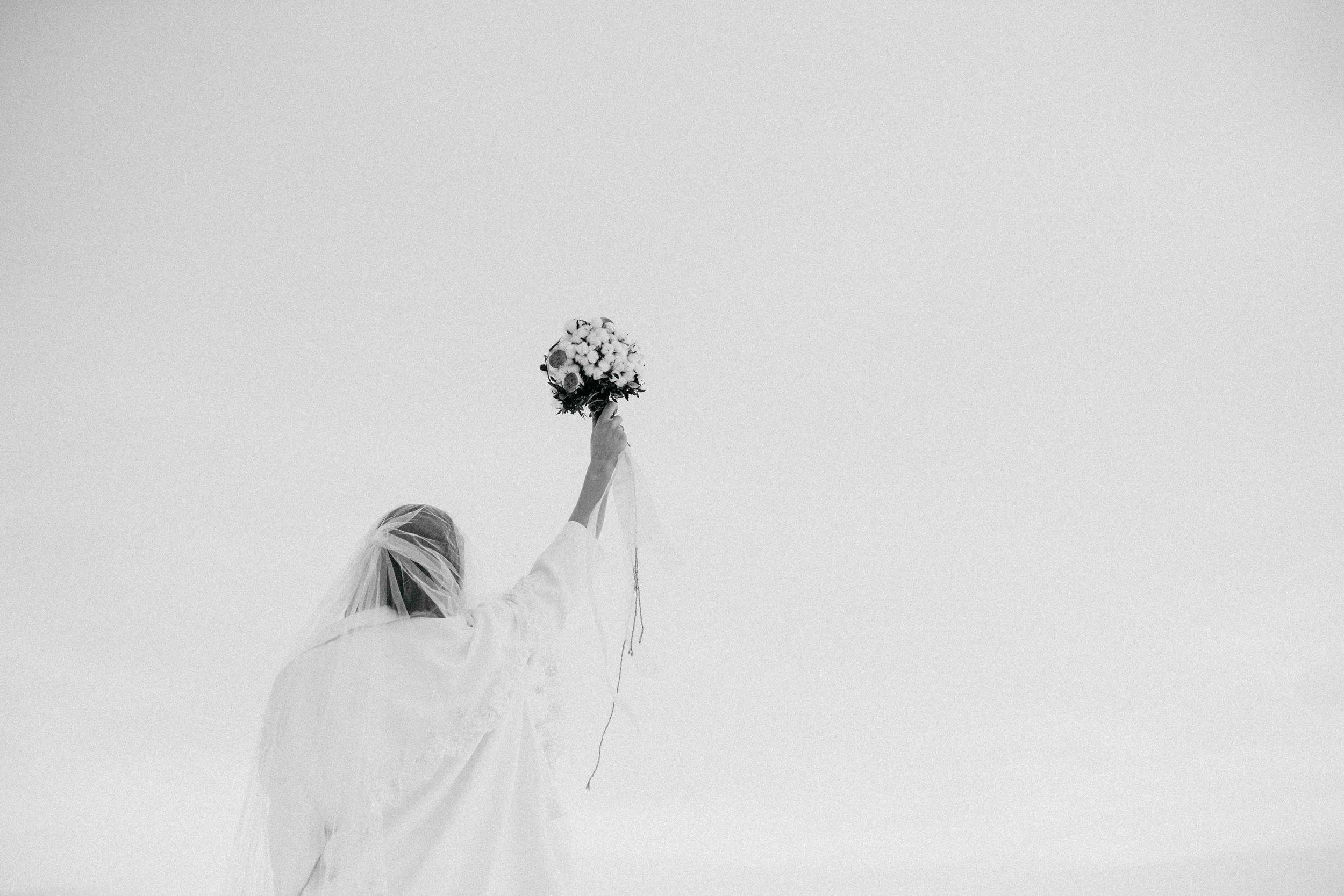 Snow Bride Winterhochzeit Schnne Braut-2920.jpg