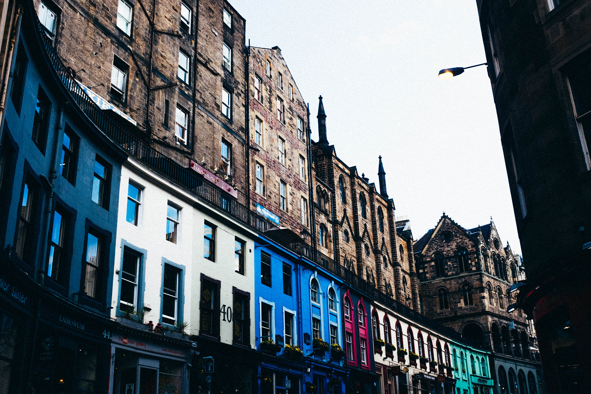 Colors of Edinburgh, Victoria Street