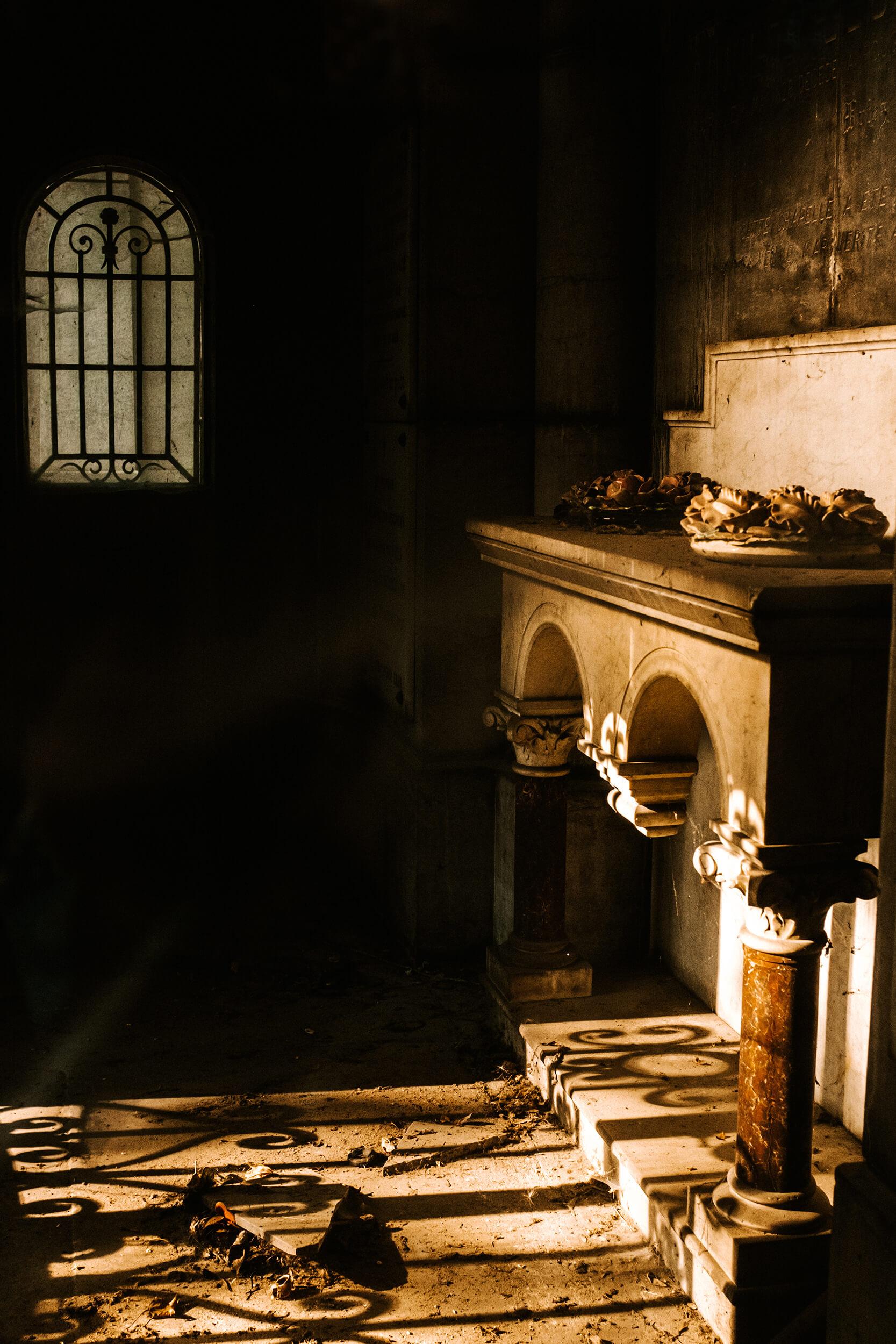 mystic-cemetery-pere-lachaise.jpg