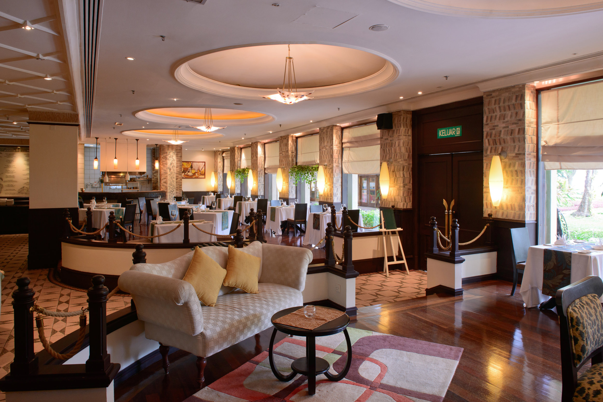 Olives Restaurant 1.jpg