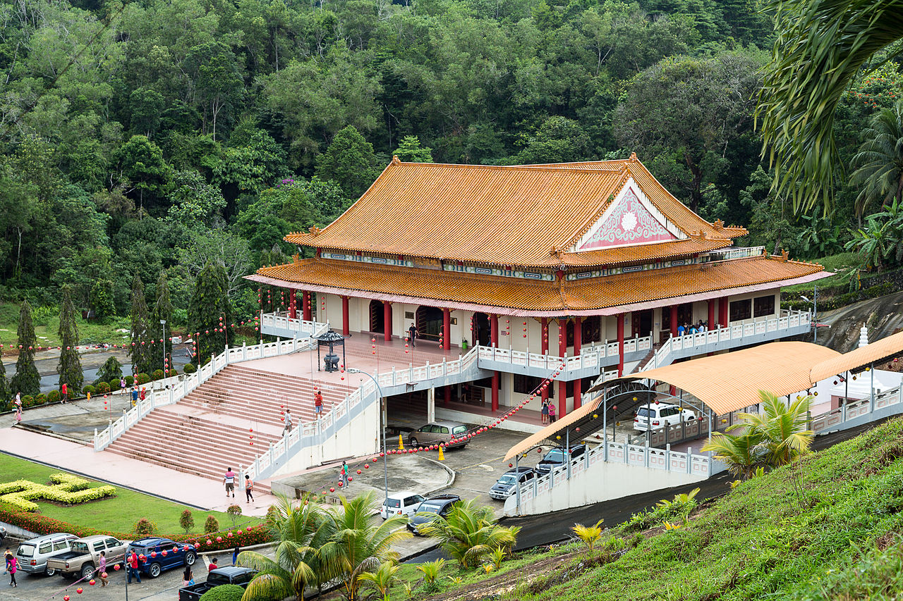 Puu Jih Shih Buddhist Temple in Sandakan (credit: CEphoto)