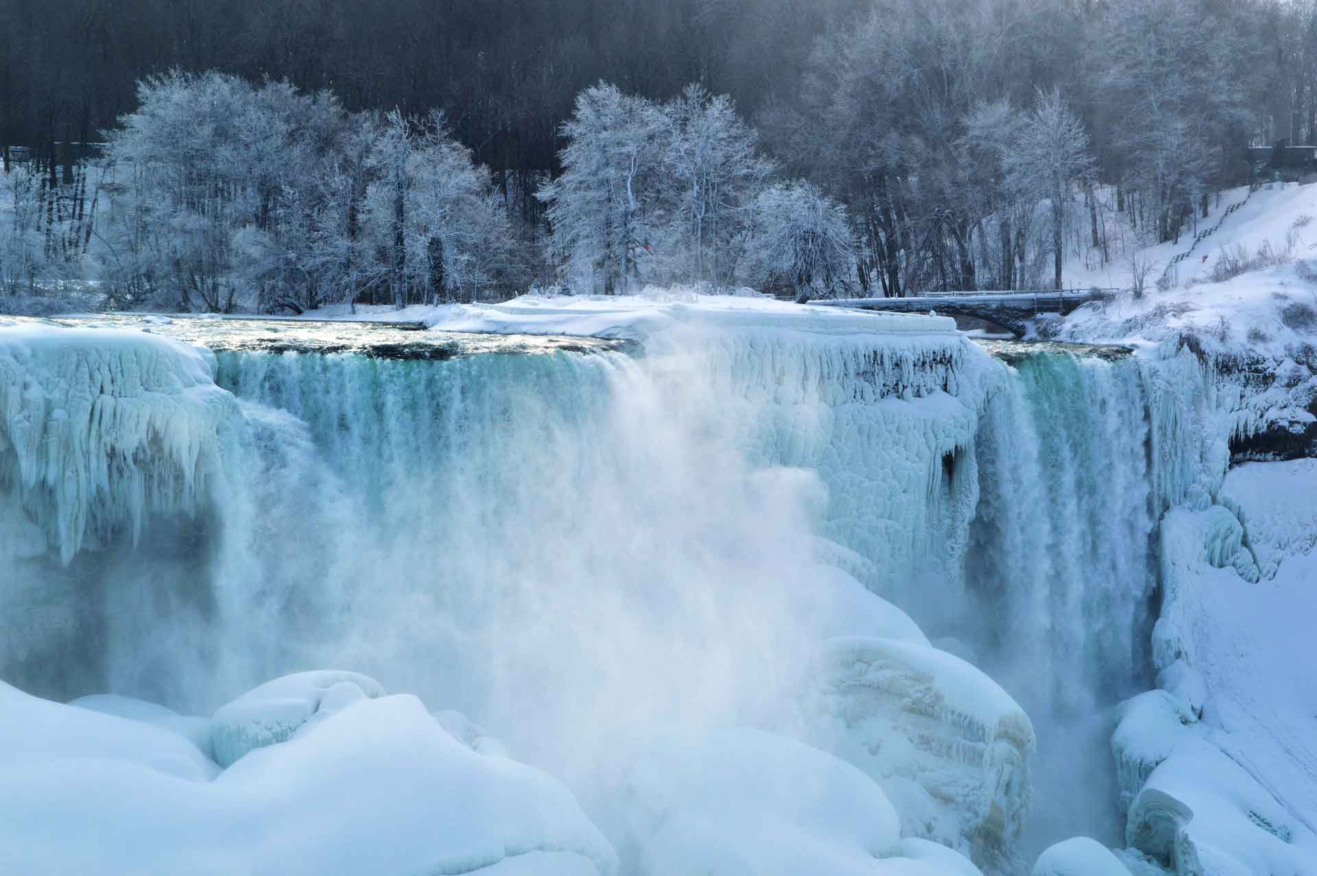 winter-waterfall.jpg