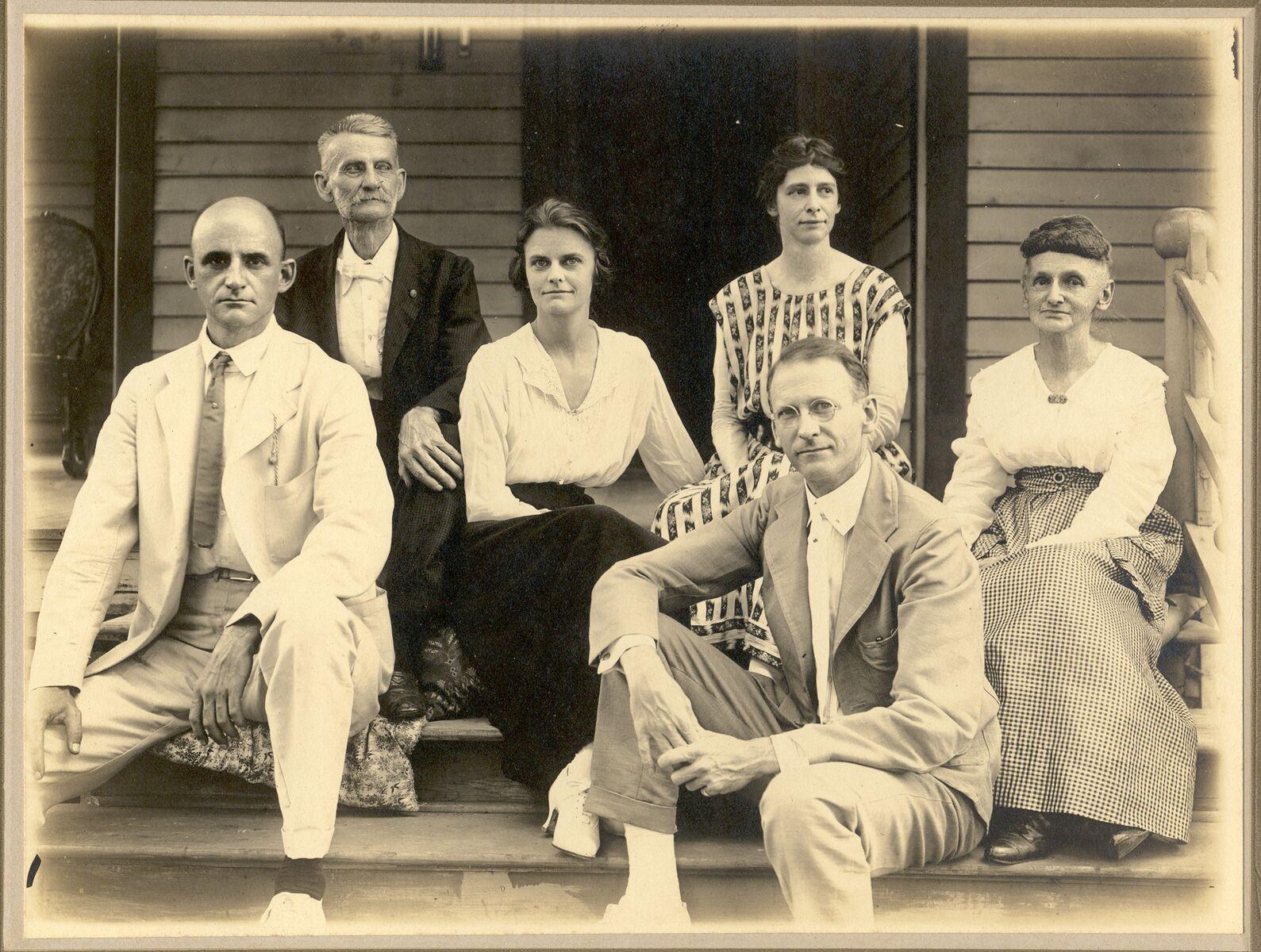 Lowell Family, Holton, Kansas