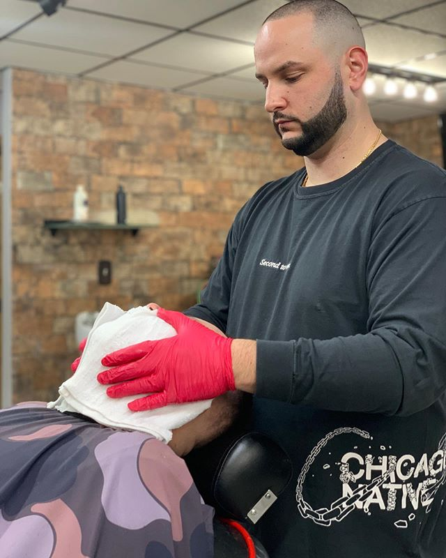 Old School Hot Towel Shaves 💈 here at TOP✂️SHOP CHICAGO ( Walkins Welcome or Schedule Online! ) #TopShopChicago