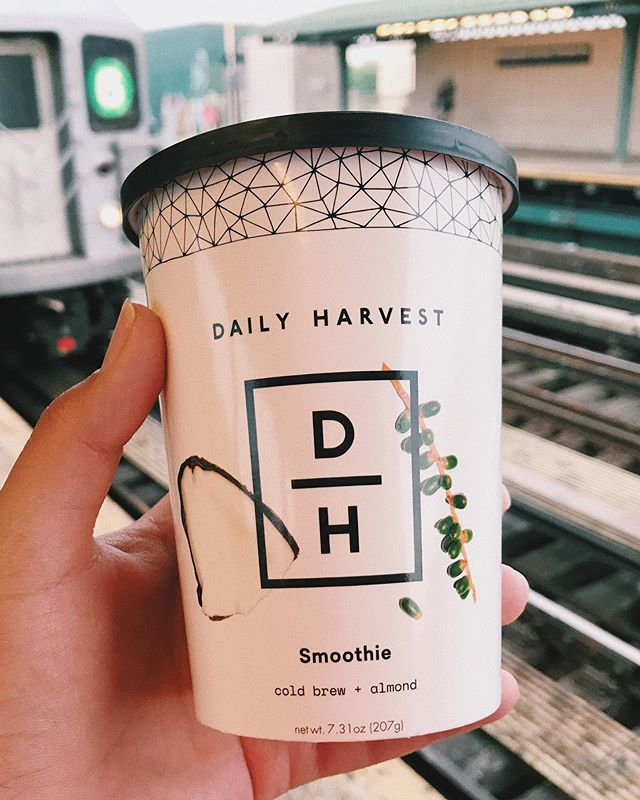 ☀️ Good morning! ☀️ I started my day with the @dailyharvest cold brew + almond smoothie. I added almond milk to the cup, which had cold brew coffee, almond butter, green coffee beans, coconut oil, banana, and cacao 😋🌿 I love drinking coffee in the morning so this smoothie was a perfectly cold and refreshing replacement, especially in this hot weather! If you haven't yet, check out my experience with Daily Harvest using the link in my bio. If you wanna give them a try, use my code BRONXVEGAN for $25 off your first box ✨ 🌿 🌿 🌿 🌿 🌿 #thebronxvegan #dailyharvest #thebronx #vegan #veganbreakfast #veganmorning #vegansmoothie #coffee #coldbrew #organic #plantbased #vegansofig #vegansofnyc #vegansofinstagram #nyc #6train #letseatvegan #plantbasedbreakfast #breakfastsmoothie #almondmilk #veganfood #veganfoodshares #veganfooddiary #veganfoodblog #veganhealthy #veganlife #veganlifestyle #vegancommunity