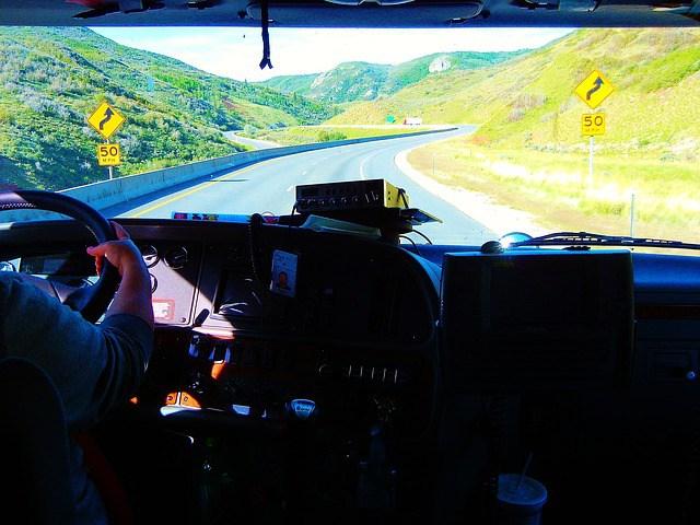 self-driving-trucks-1.jpeg