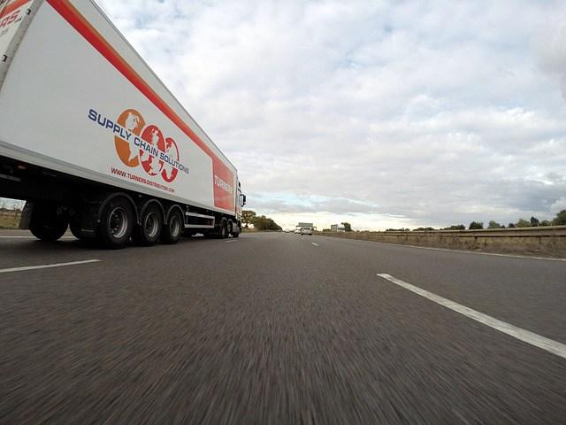 self-driving-trucks-2.jpeg