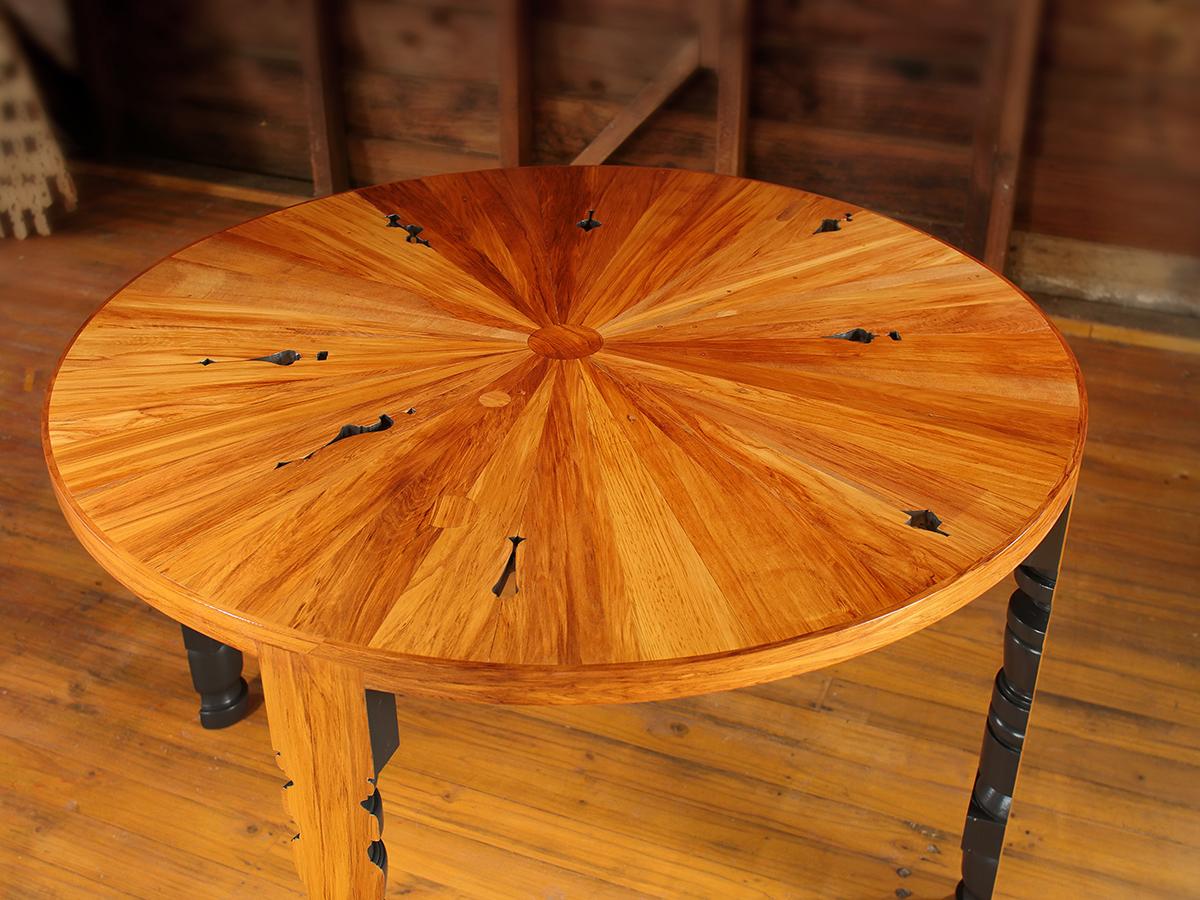 Rimu Table - 4.JPG