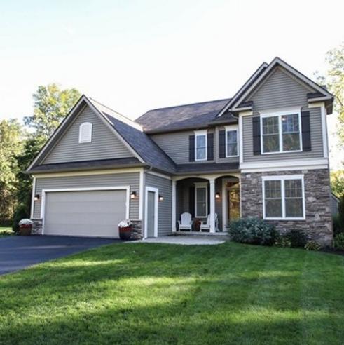 10 Freestone Lane, Penfield$324,900 -