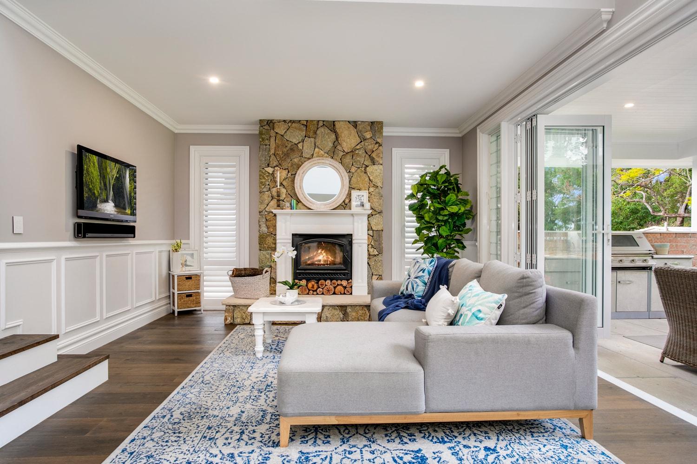 Hamptons-Homes-Sydney-lounge-min.jpg