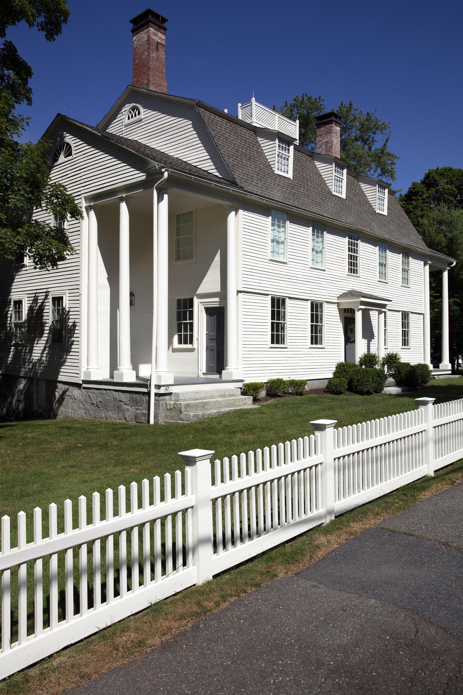 1775.Colonel Benjamin Tallmadge House. South Portico Entrance. Visko Hatfield_edited-1.jpg