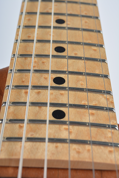 StoryWood-Music-4R-2-birdeye-maple-fingerboard.png