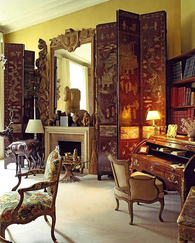 A few years ago, I was most fortunate to visit Coco Chanel's private apartment with my husband Stuart. Her installation of the tall, handsome, Coromandel screens around the room made such a stunning statement. Add to that the myriad of books, robust sculptures and chocolate colors, and Coco's strong personality, design aesthetic and vision is echoed quite brilliantly. #regrann: @vendomepress •• •• •• #cocochanel #chanel #chanelinterior #chanelapartment #chanelstyle #classicinteriordesign #classicinterior #classicdesign #design #designinspiration #beautifulinteriors #goodmorning #timelessdesign #traditionaldecor #coromandelscreens #hollyholden