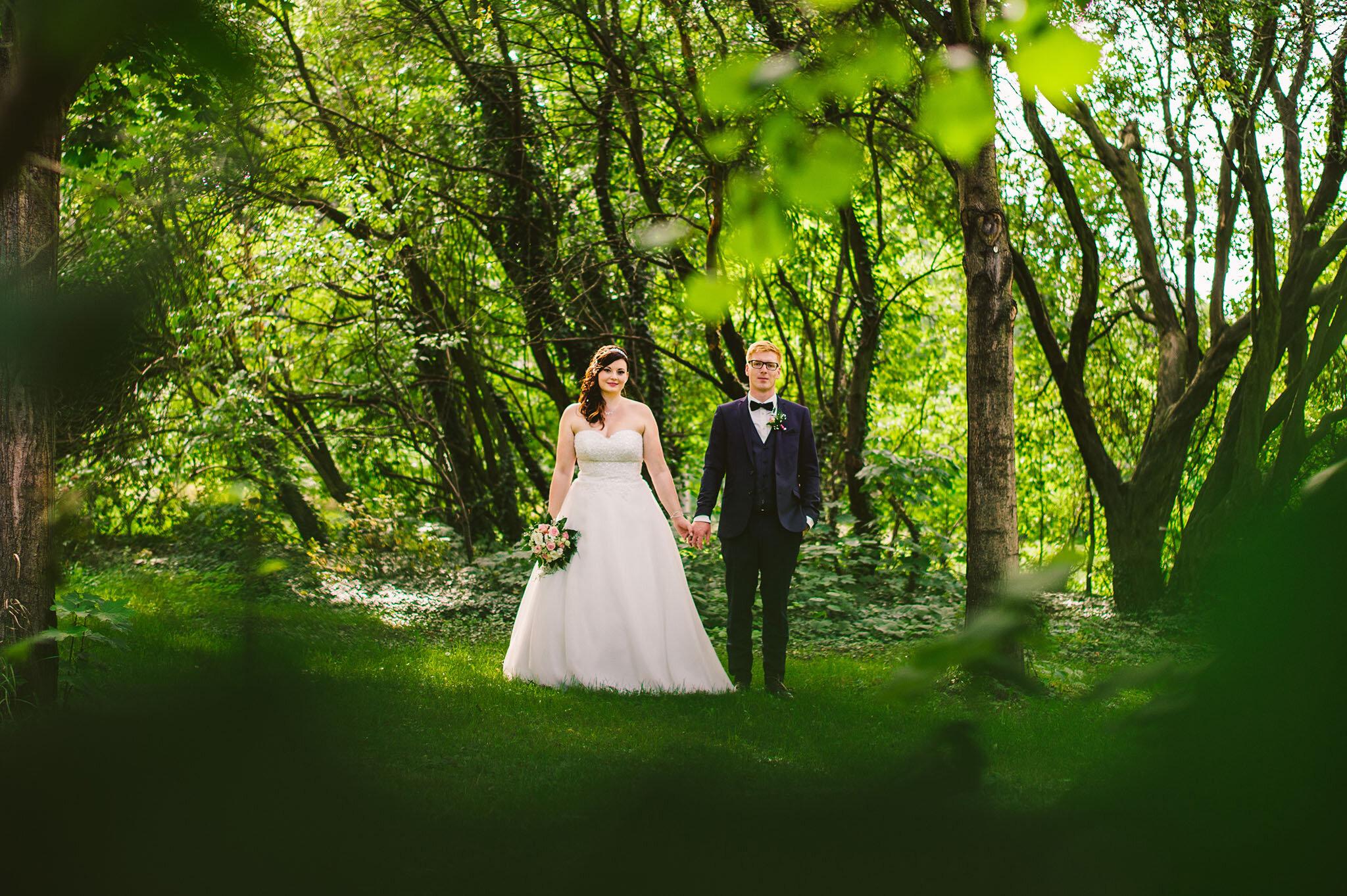 """Nicola + Klemens - """"Unsere Hochzeitsbilder sind wunderschön und werden überall gelobt! Ein super Fotograf mit sehr viel Liebe zum Detail. Einfach empfehlenswert!!! Danke Ron"""""""