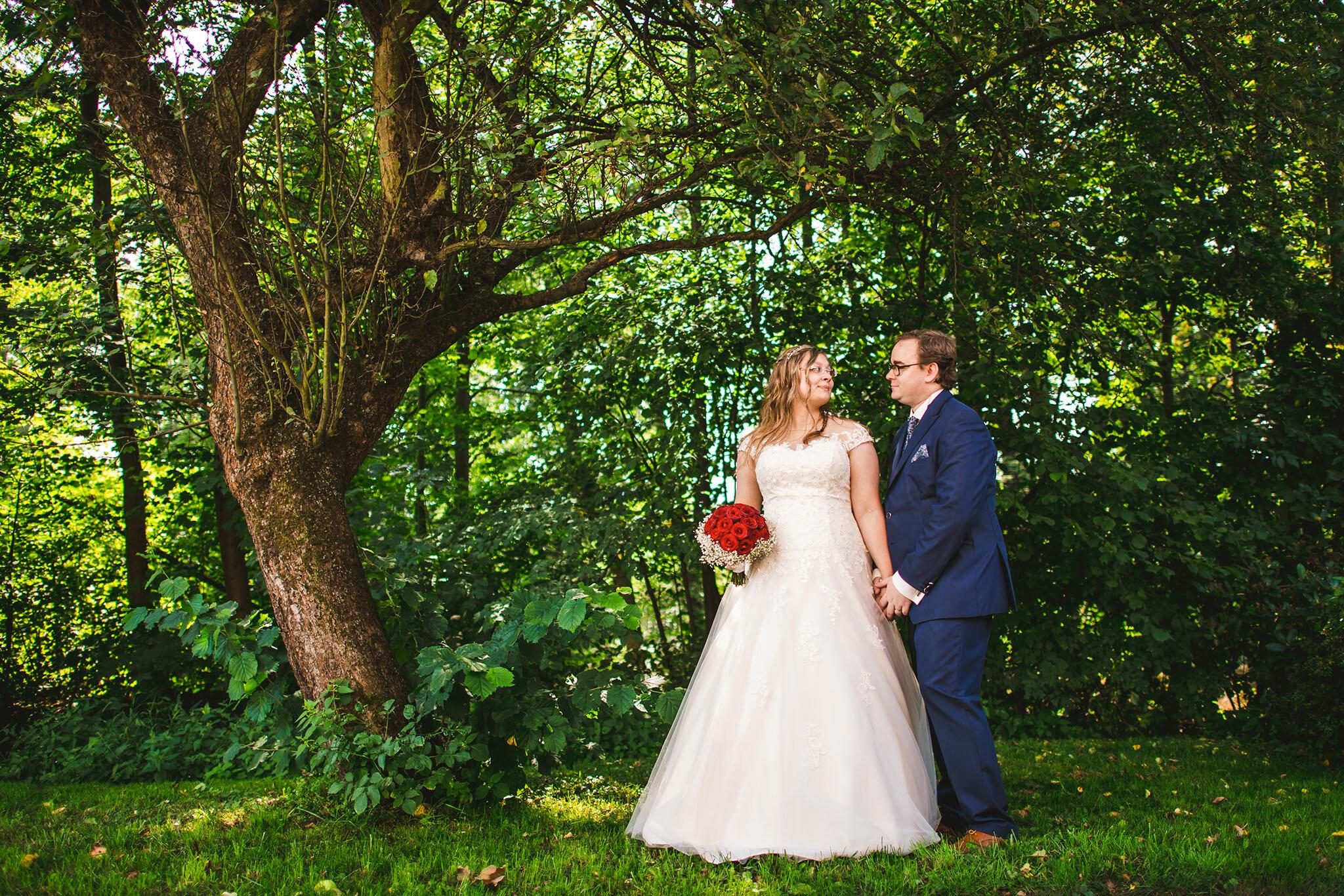 """Nicole + Denis - """"Du hast unsere Hochzeit am 24.08.2019 perfekt bildlich erfasst. Wir sind mega zufrieden. Vielen lieben Dank für diese graziöse Arbeit!"""""""
