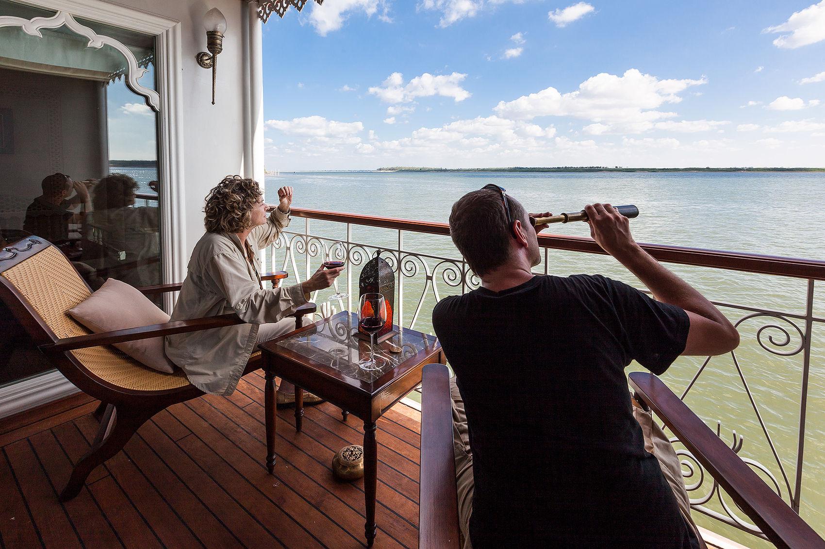 Sailing the Tonle Sap
