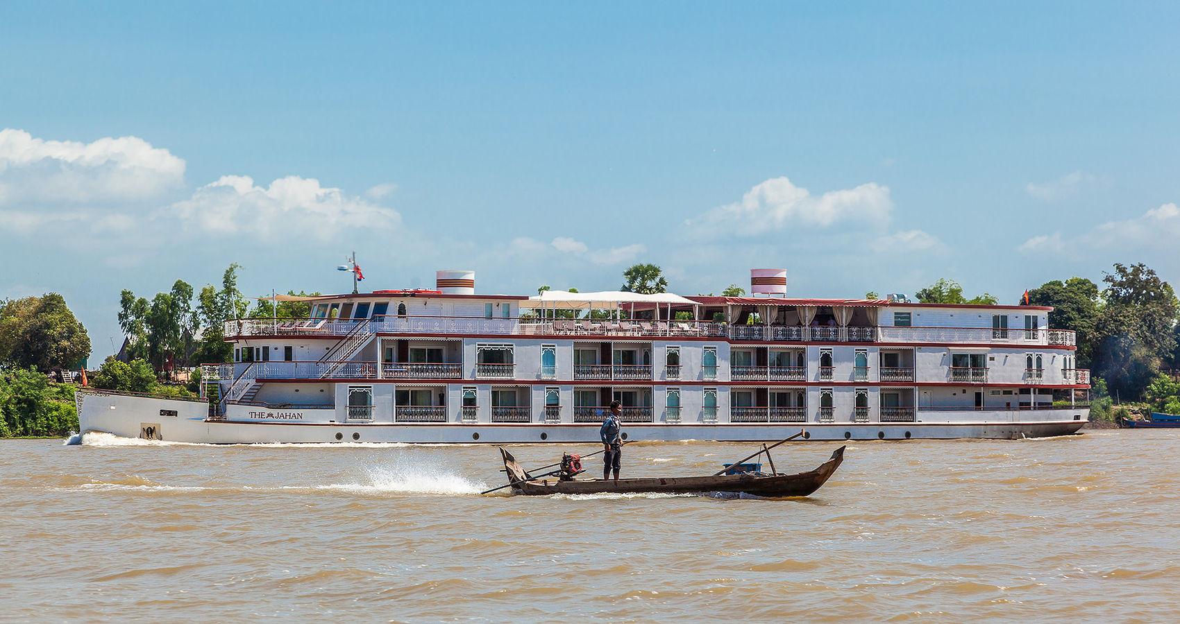 Cruising the Tonle Sap