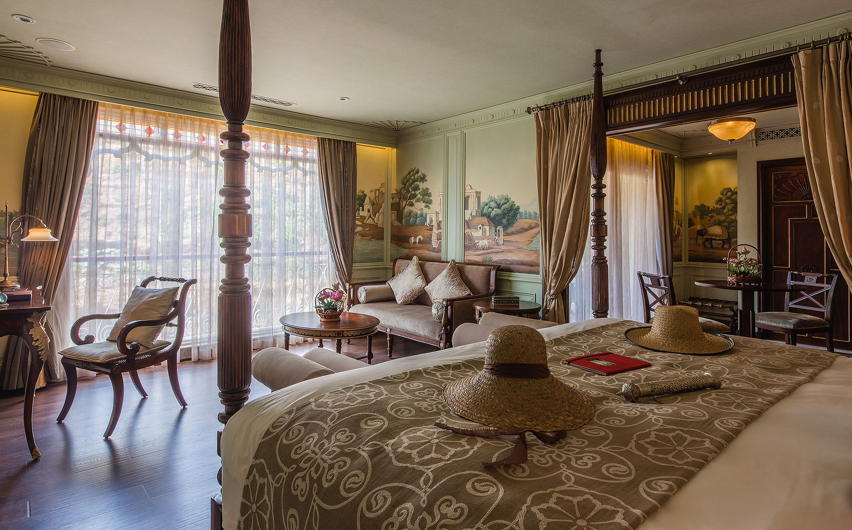 Lord Byron Suite