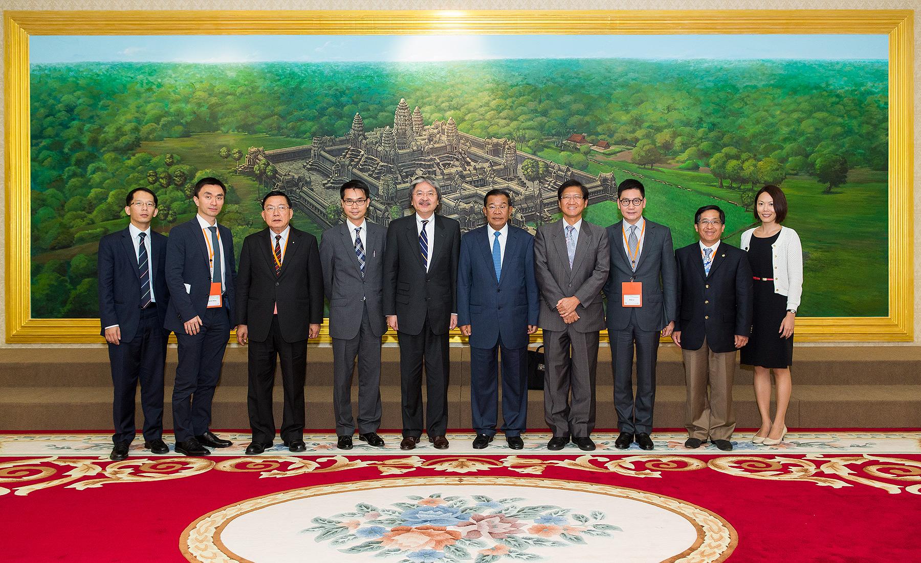 Cambodia Prime Minister Hun Sen and HKTDC Delligates , Peace Palace Phnom Penh