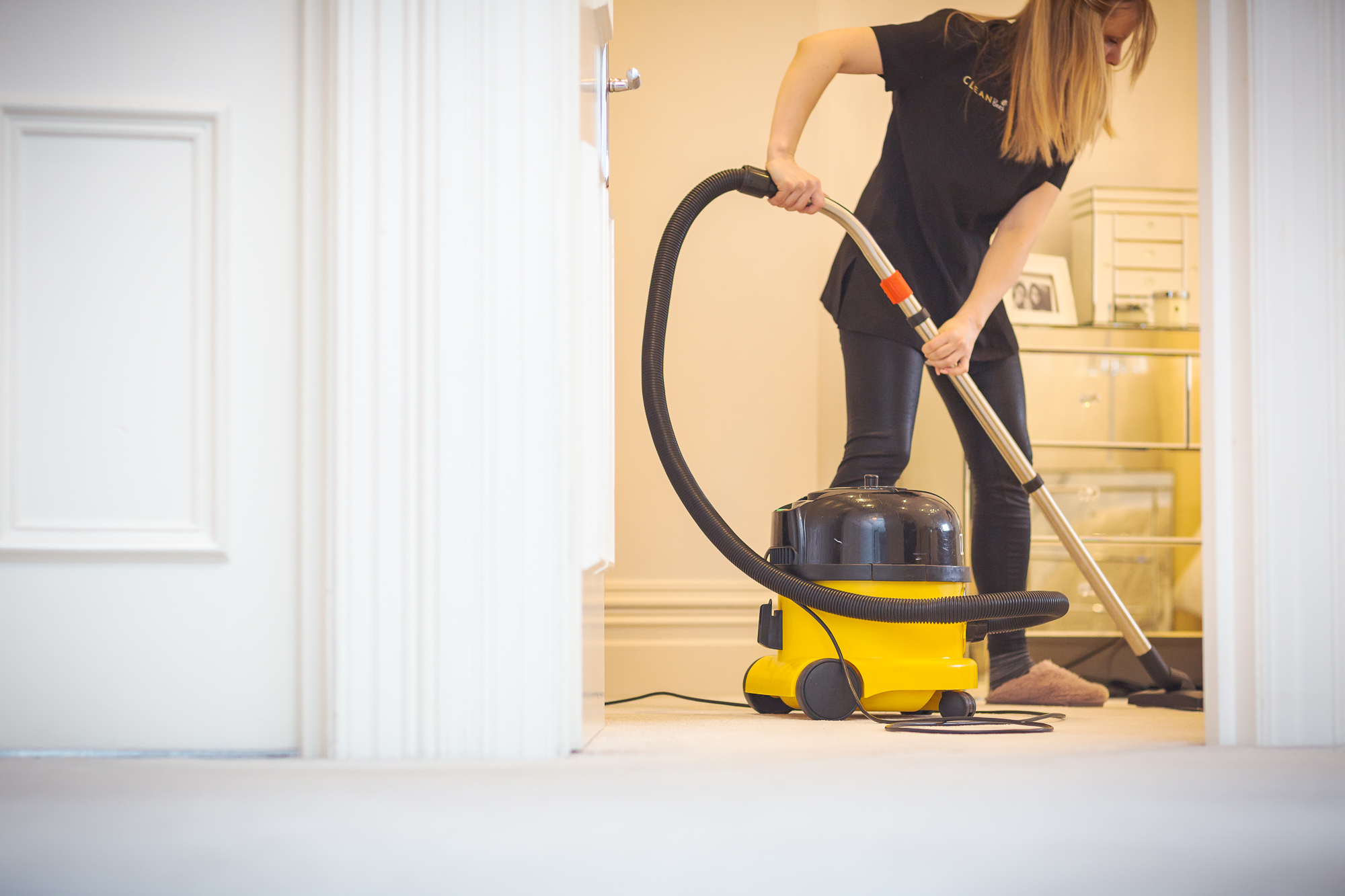 CB - Cleaning - Hoovering 001.jpg