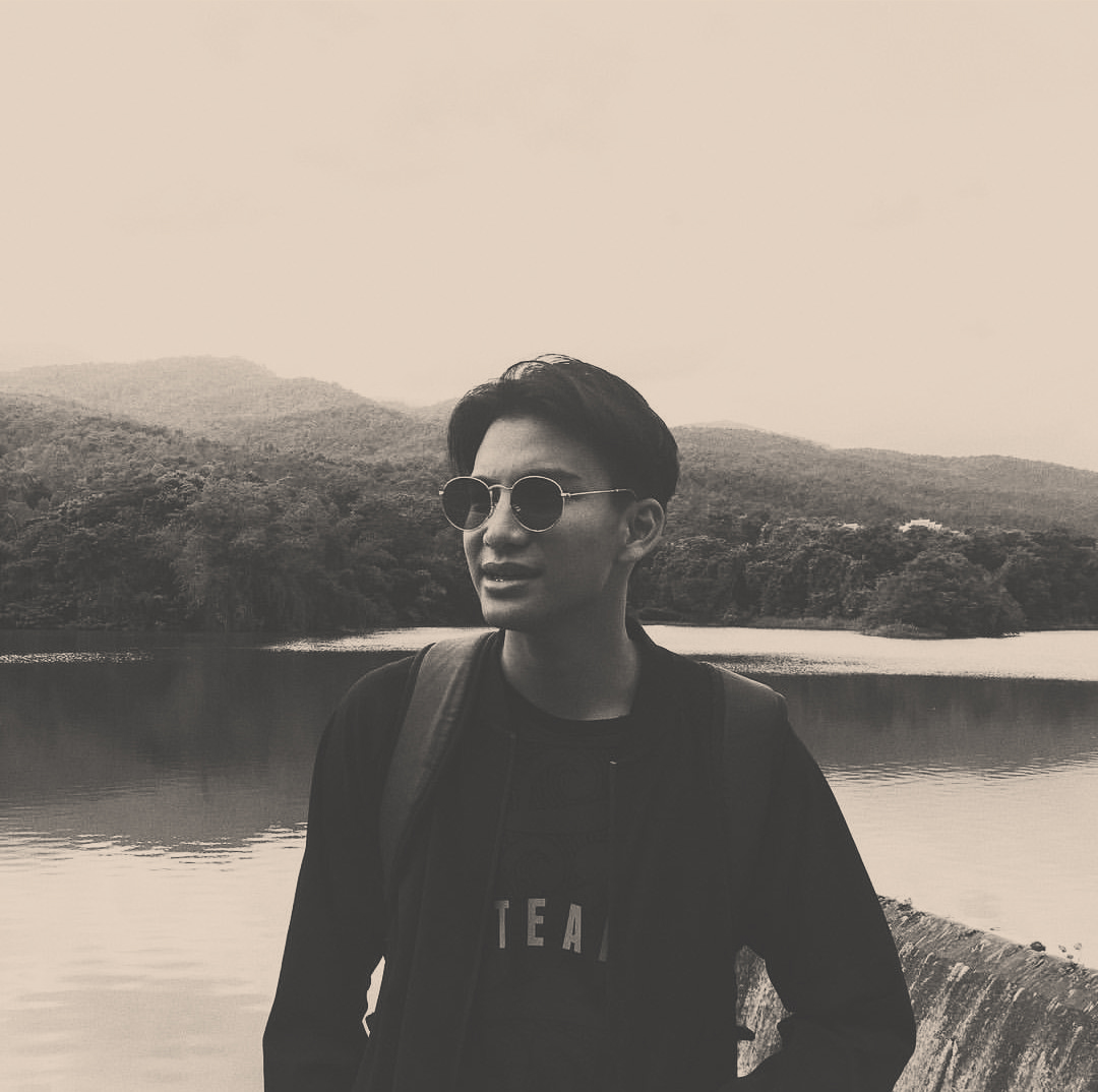 Phum Viphurit - Phum Viphurit is a New Zealand-raised, Thailand-based artist best known for his songs