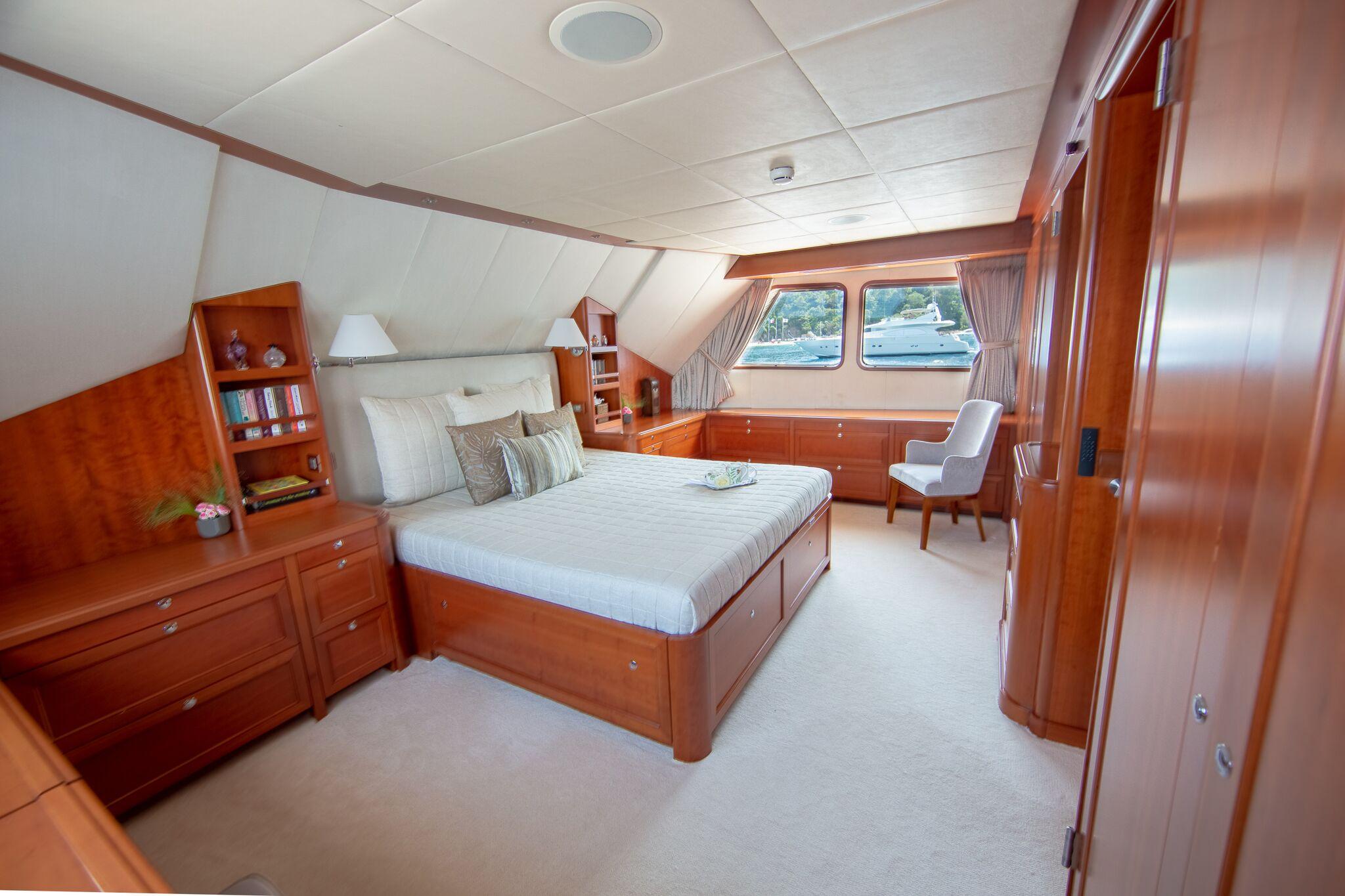 main cabin 1.jpg