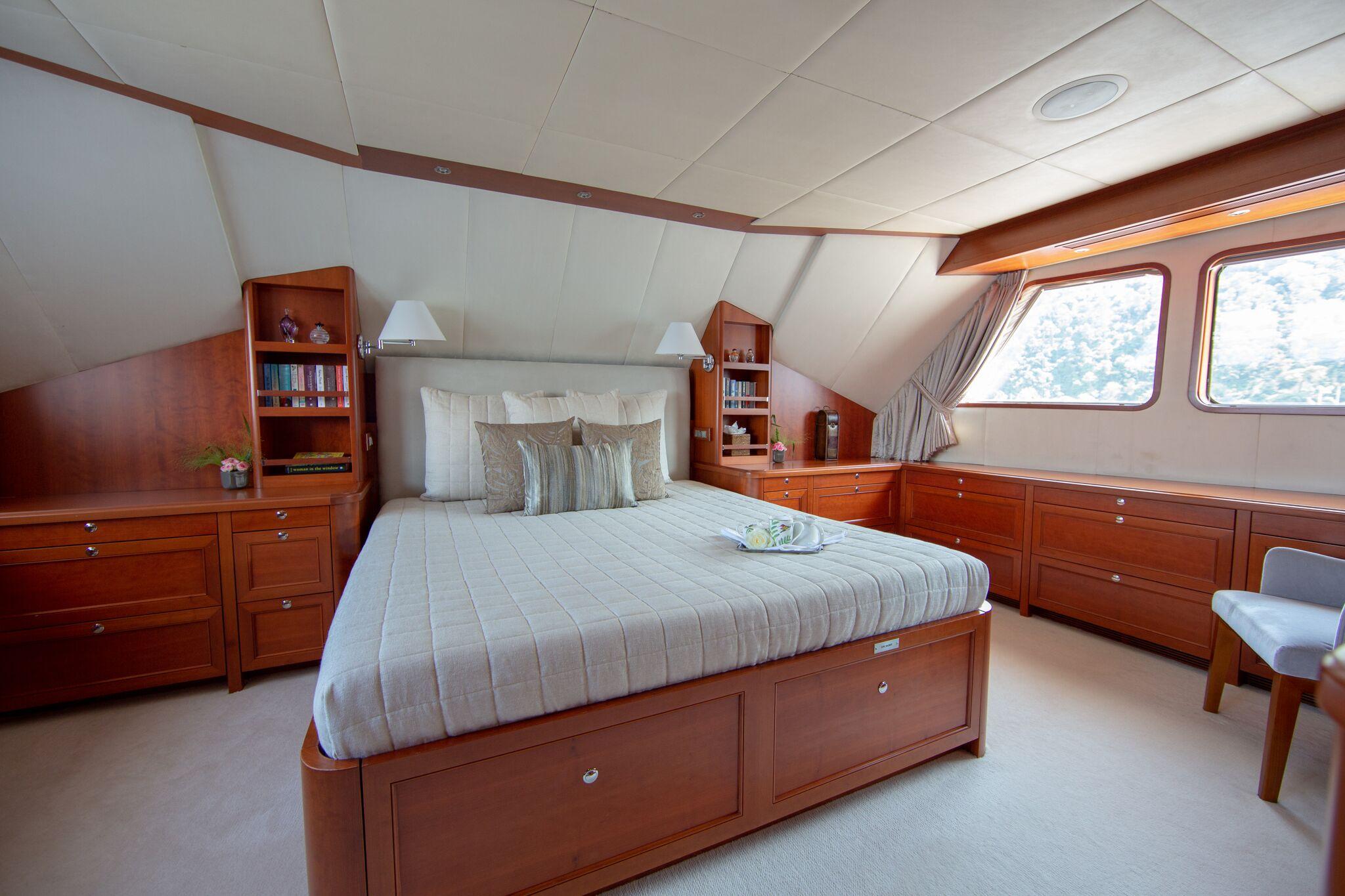 main cabin.jpg