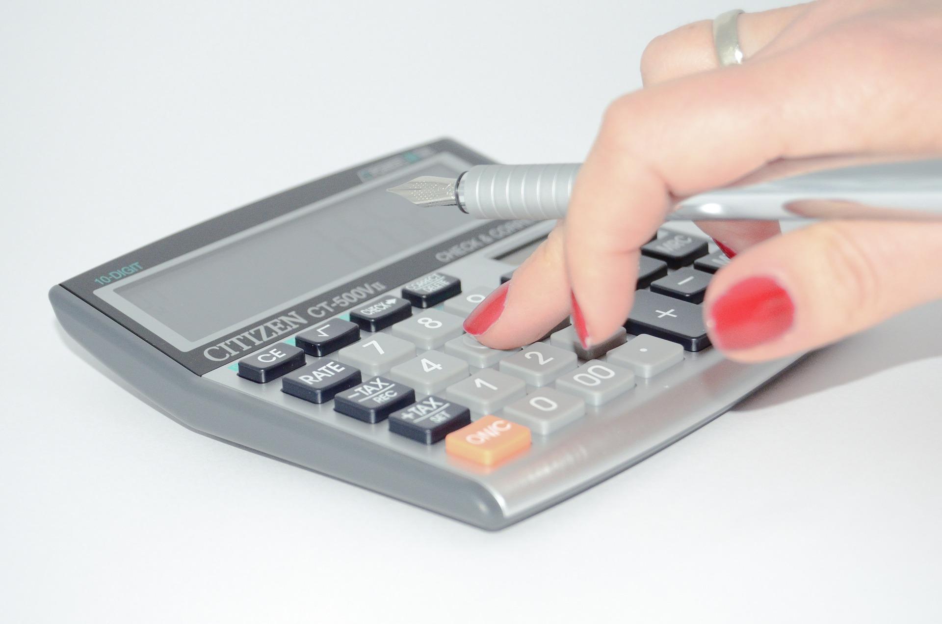 calculator-428294_1920.jpg