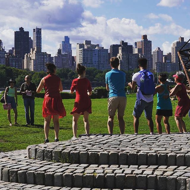 Last but not least, our last INSITU community dance workshop led by @equus_projects_insta at INSITU 2018 at @socratespark 💃🏻🙏🏼💃🏻 #insitu #insitudancefestival  #insitudance #sitespecificdance #sitespecific #sitespecificart #dance  #dancefestival #nyc #longislandcity #queens #dancenyc #contemporarydance #performance #danceperformance #danceinpublic #SpeakingInDance #tanz #art #danceinpublic #danceeverywhere #connect #engage #play #create #inspire #insitudance2018 #dancer #dancecommunity #communitydance  Photos @justinchaophotography @stephen_delas