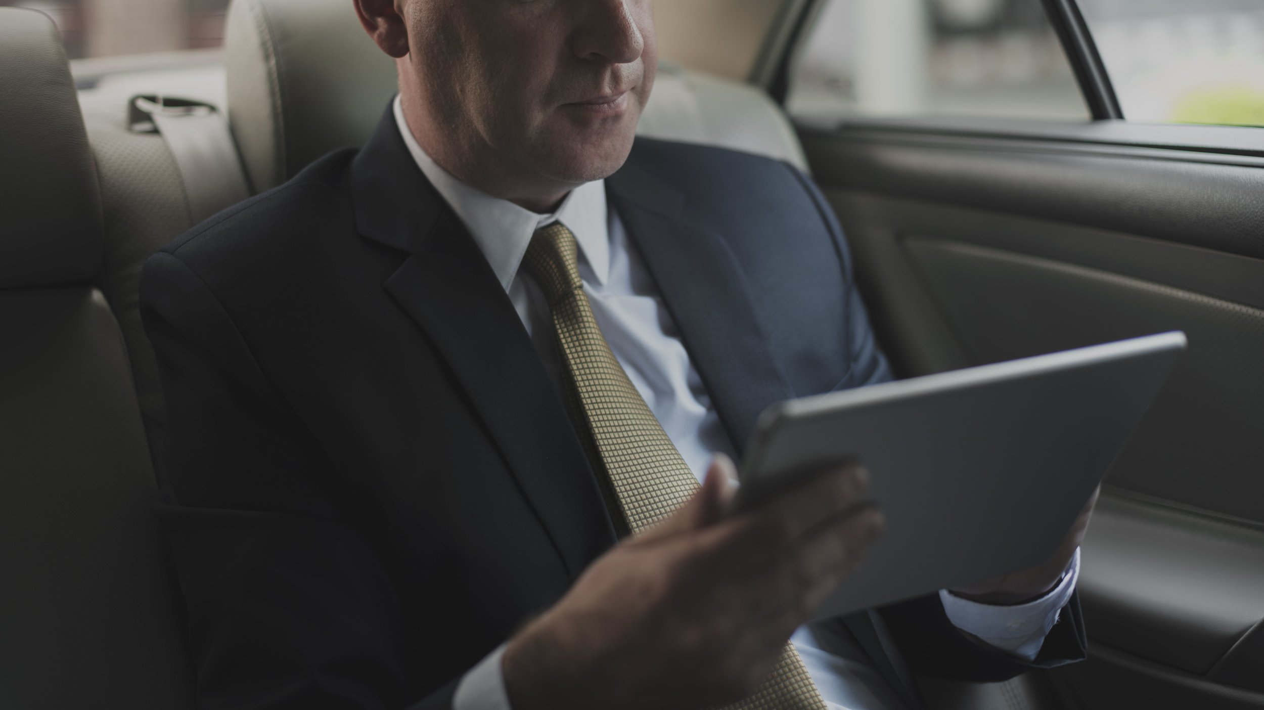 stamford-limo-service-example-of-executive-saving-time-min.jpg