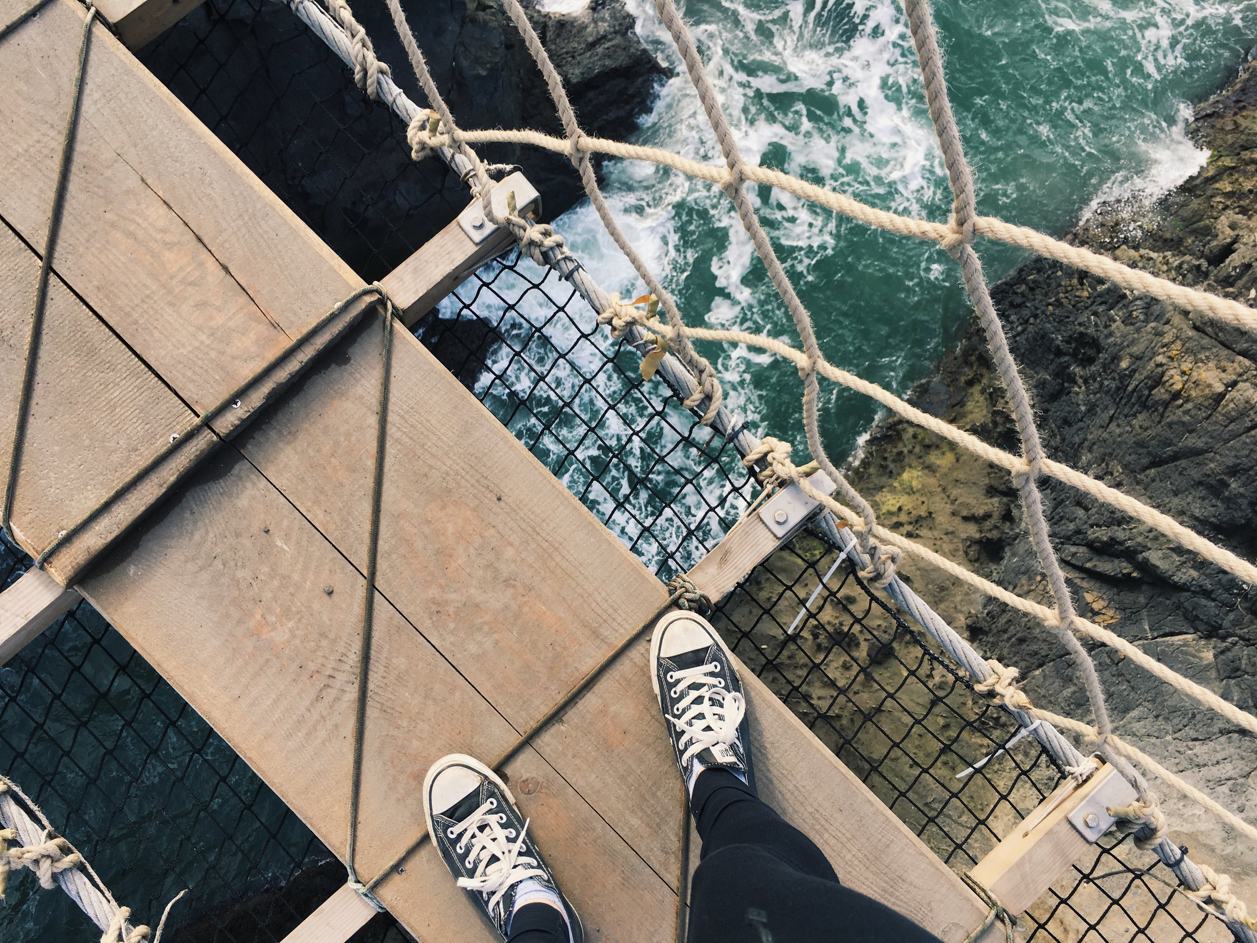 Carrick+a+rede+rope+bridge+Ireland
