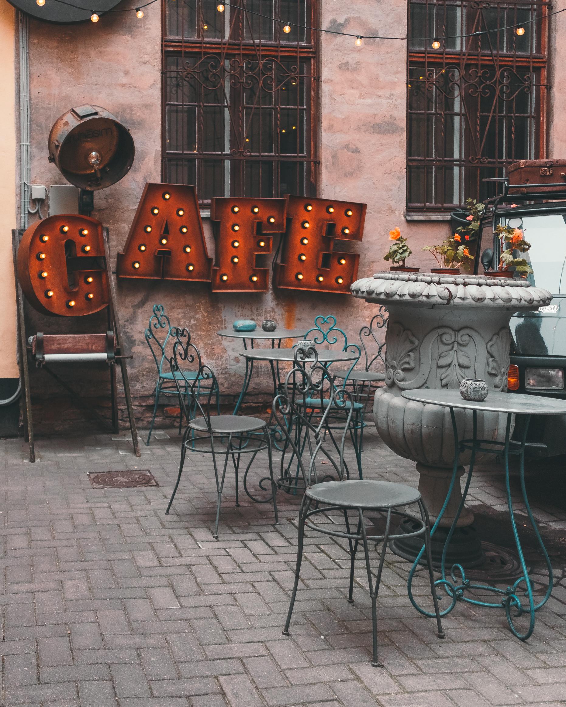 latvia+riga+cafe+to do