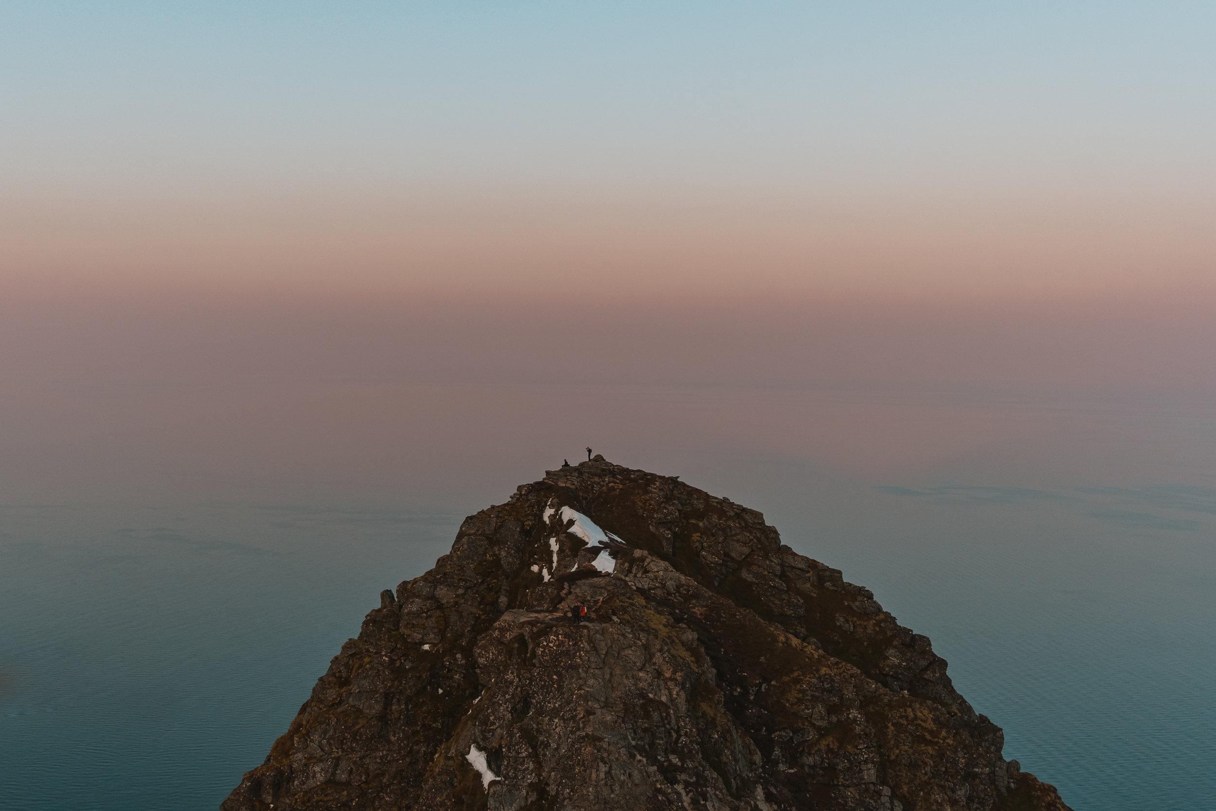 reinebringen+lofoten+guide+hike