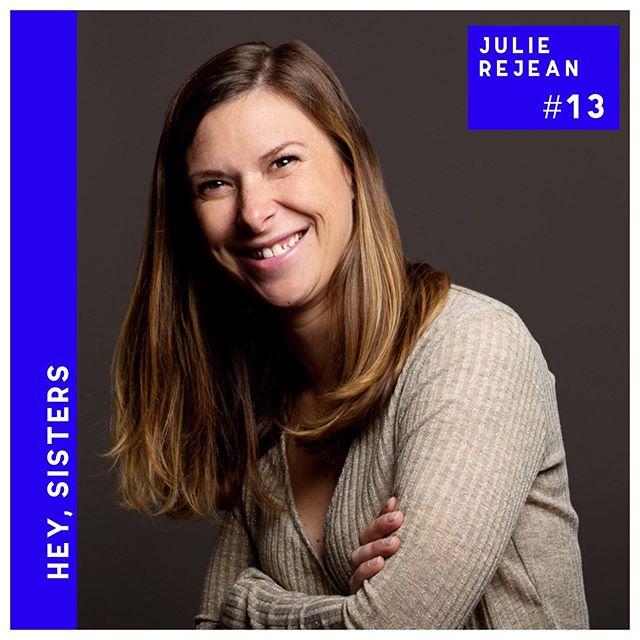 🎙Épisode 13 ! Dans l'épisode du jour, je reçois Julie Réjean @julierejean . Si certaines de vous sont entrepreneures, vous la connaissez peut-être. Julie est notamment la fondatrice du réseau féminin Co-women @cowomen_julie qui organise tous les mois des rendez-vous autour de sujets de l'entrepreneuriat, comme par exemple comment monter une stratégie digitale.  Julie a récemment donné naissance à son deuxième petit garçon, mais lorsque je l'ai reçue pour enregistrer l'épisode, elle entamait son 9è mois de grossesse, et ce que je peux vous dire, c'est que hormis son ventre, rien ne le laissait penser tant elle était dynamique. Bon, Julie est un peu bavarde aussi, mais elle a un coeur gros comme ça. Avec elle, j'ai voulu survoler le monde de l'entreprise et parler de réseau féminin.  Nous avons parlé de son parcours et de son expérience notamment sur les marchés dans sa jeunesse et qui lui ont appris le sens des responsabilités. Nous avons aussi parlé de l'appel de la quête du sens à ses 29 ans et comment elle a envoyé boulé ex-petit ami et boulot bien payé pour se lancer à son compte.  On discute donc du sens dans le travail, et du switch, mais on enterre aussi le tabou du licenciement et du chômage. Julie me parle aussi  de l'isolement de l'entrepreneure, de la solidarité entre femme dans l'entrepreneuriat et de pourquoi elle en est venu à créer un réseau de femmes.  Cet épisode s'écoute comme est Julie : le coeur léger et le sourire aux lèvres.  Bonne écoute !  ___ . . . . . . . . . . .  #podcast #podcaster #podcastlife #podcasting #girlboss #inspiration #strongertogether #womenempowerment #girlboss #feministe #féminisme #sisterhood #sistership #futureisinclusive #sororité #entrepreneuriat #entrepreneure #réseau