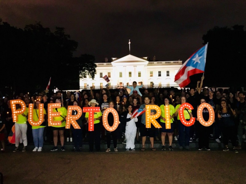 Washington, DC: The White House - In the nation's capital, hundreds of supporters gathered in front of the White House and sent one,clear message: President Trump failed Puerto Rico after Hurricane Maria. To help us send this message was DNC Chair Tom Perez, Jennice Fuentes, Founder and CEO, BoricuActivatEd, Jordan Haedtler, Campaign Manager, Center for Popular Democracy, Jaime Contreras, Vice President and Capital Area Director, 32BJ SEIU, Mary Cathryn Ricker, Executive Vice President, American Federation of Teachers, and Tatiana Matta, Candidate for California's 23rd Congressional District. The vigil was preceded by a press conference earlier in the week. It featured Senators Kirsten Gillibrand and Robert Menendez, both of who have been staunch supporters of a just recovery for Puerto Rico and a 9/11-style investigative commission to look into what federal agencies did and did NOT do on the Island in the wake of Maria. Hear Senators Gillibrand and Menendez's remarks here.