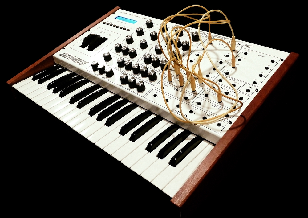 analogue-solutions-synthesizer-telemark-k-front.jpg