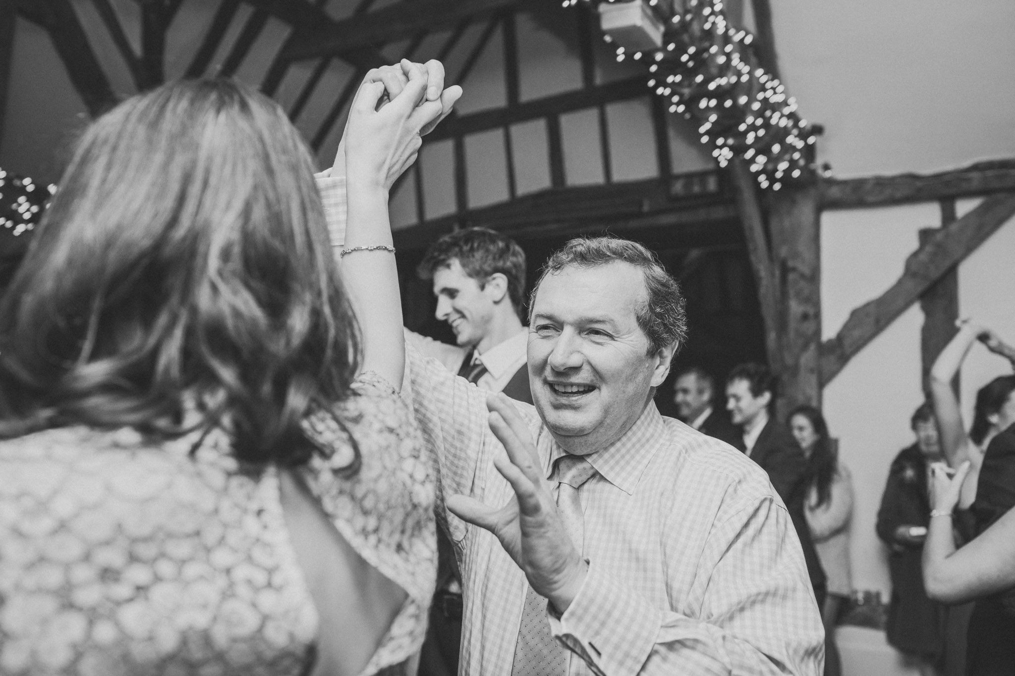 hambleden_henley_on_thames_wedding_073.jpg