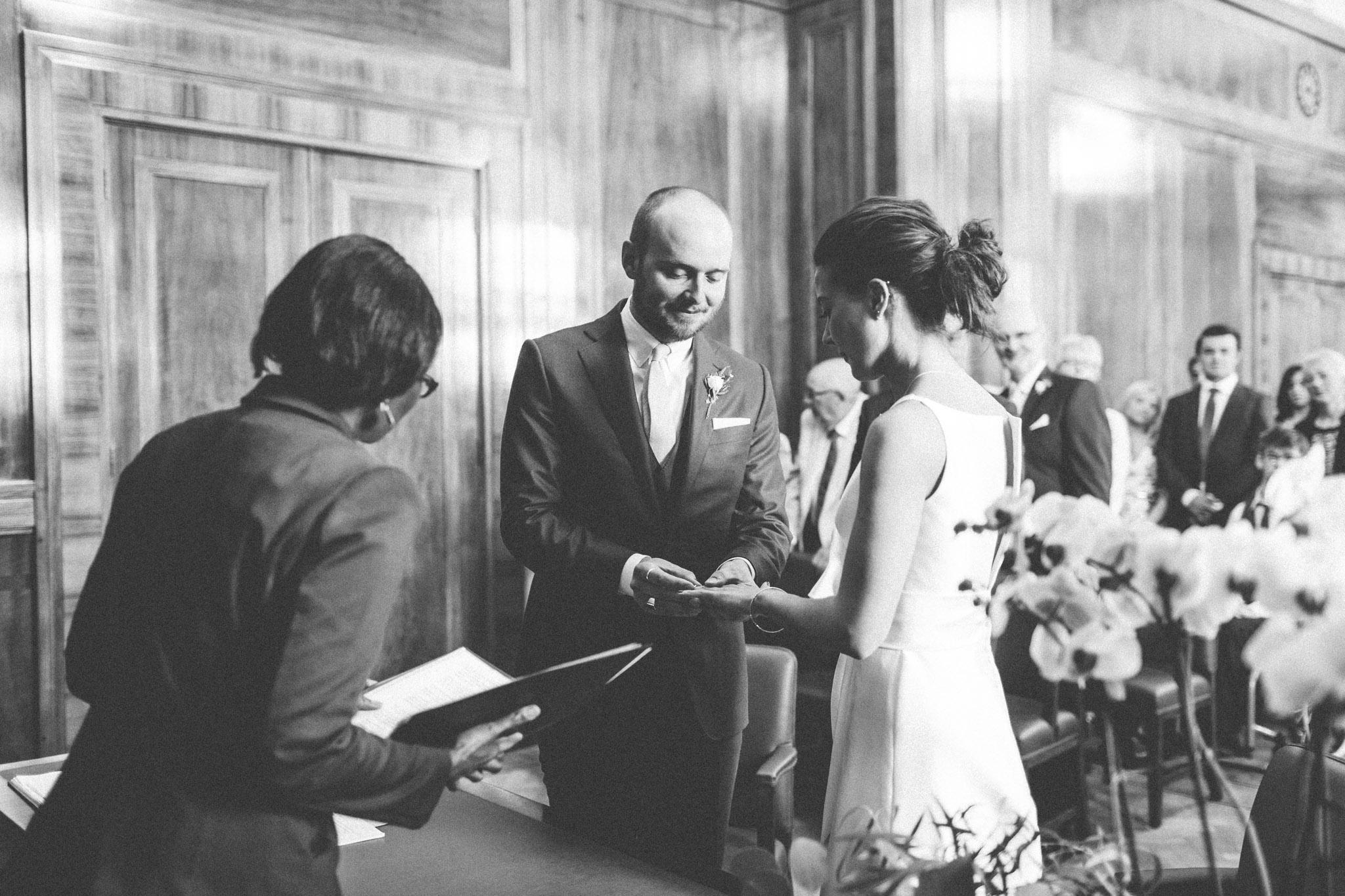 trinity_buoy_wharf_hackney_town_hall_wedding_374.jpg