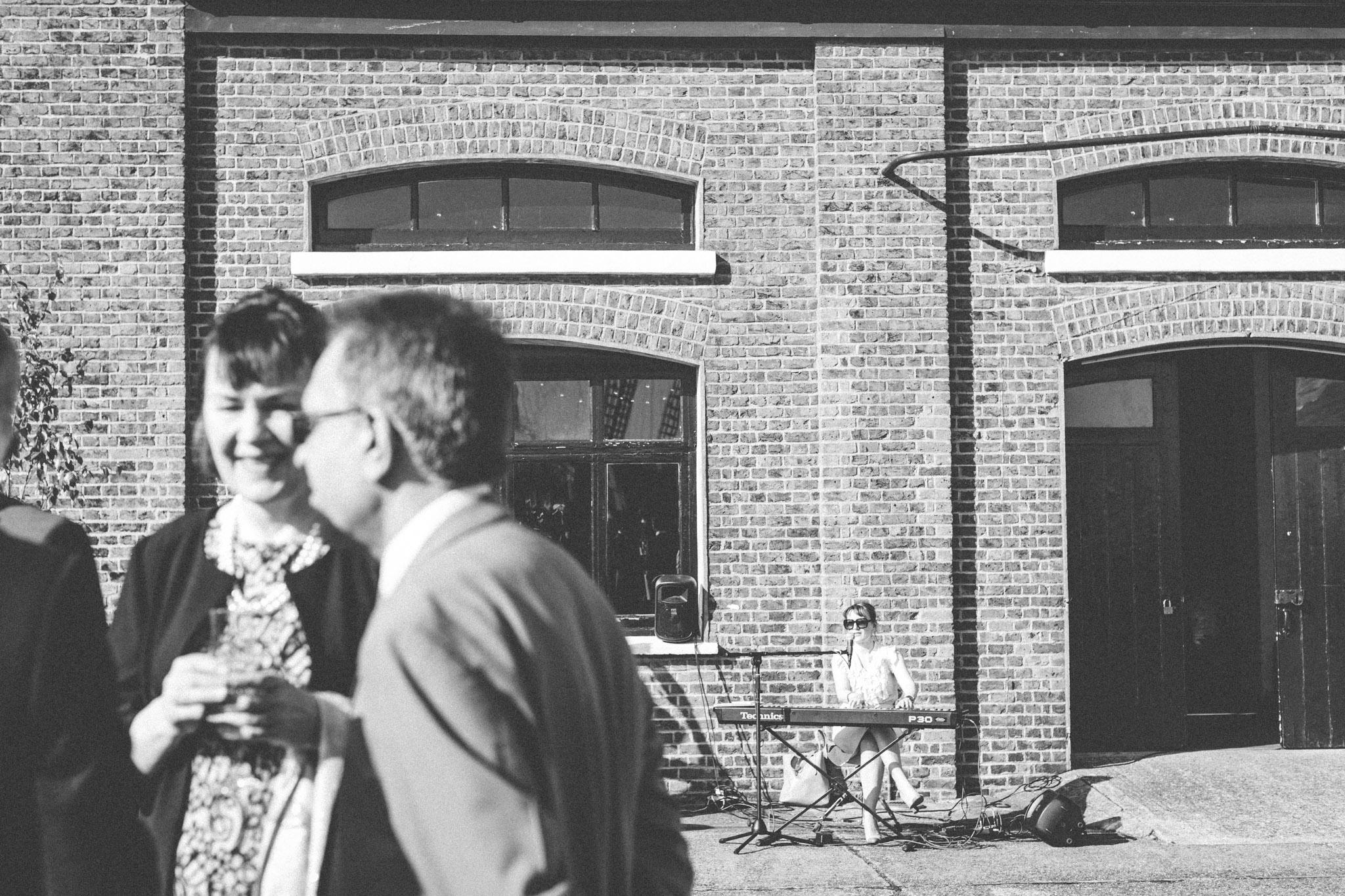trinity_buoy_wharf_hackney_town_hall_wedding_401.jpg