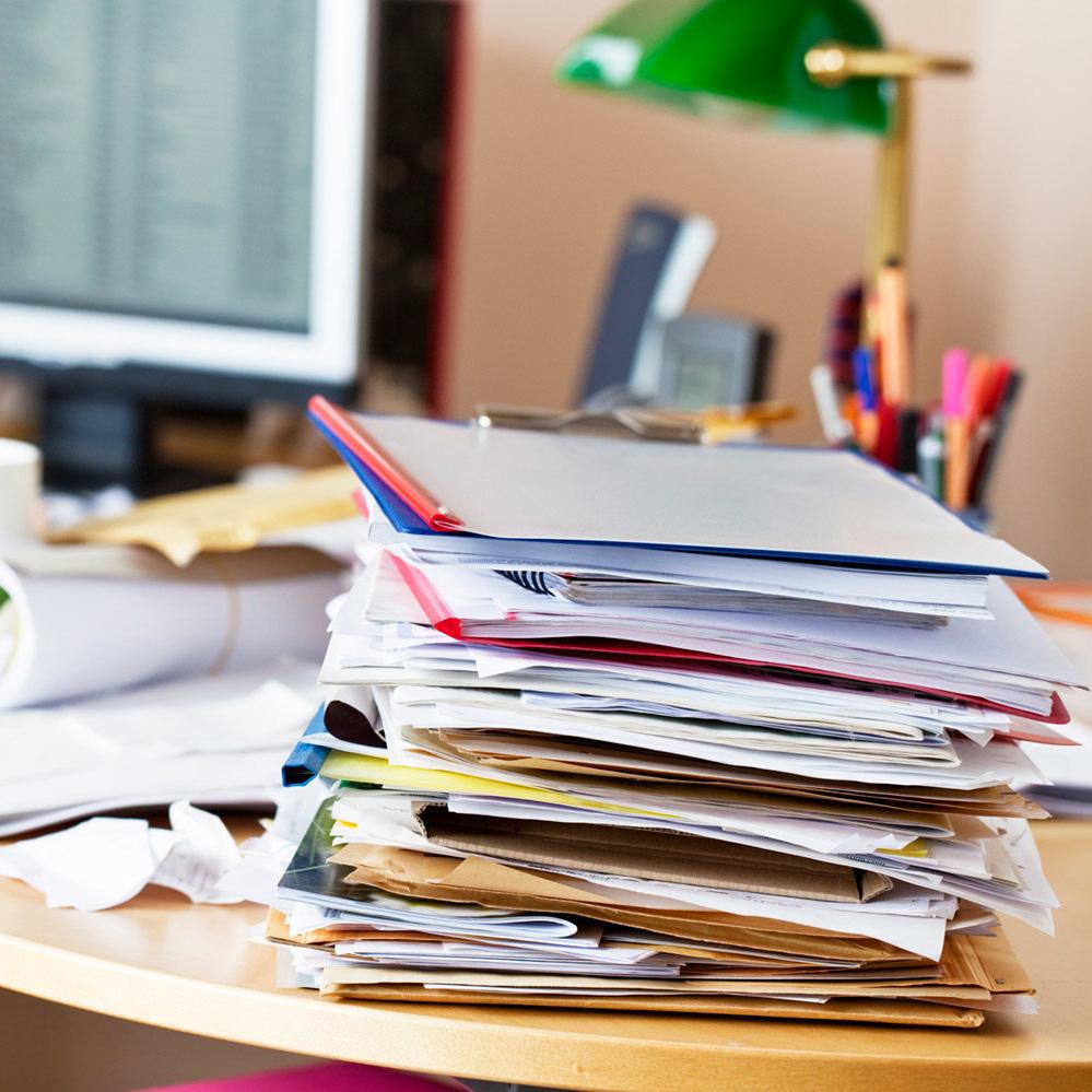 messy-desk-clutter-office-MESSYDESK1118.jpg
