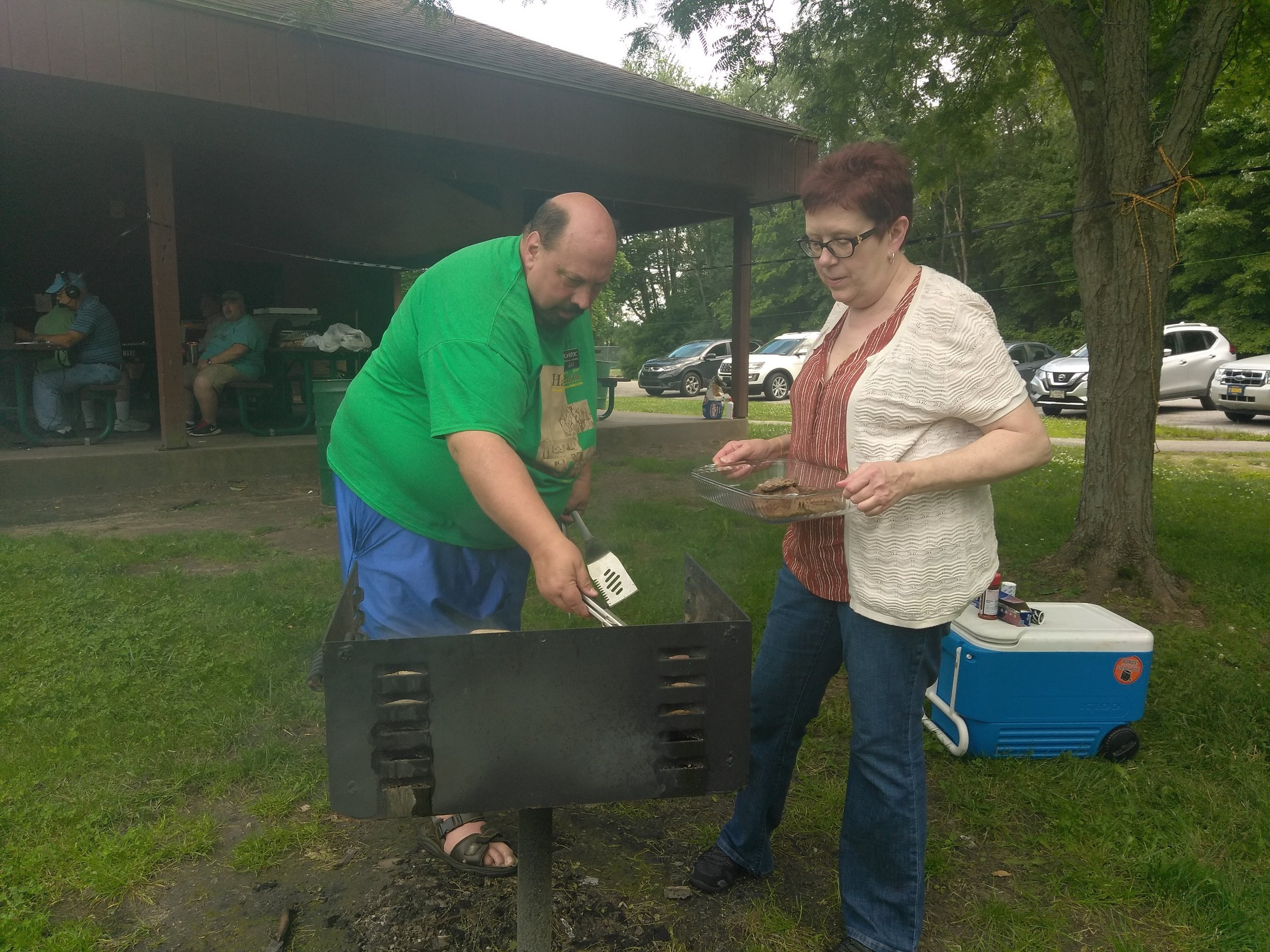 Jeff  KA9TOC and Denise Wynegar provided Brats and Burgers on Saturday evening.