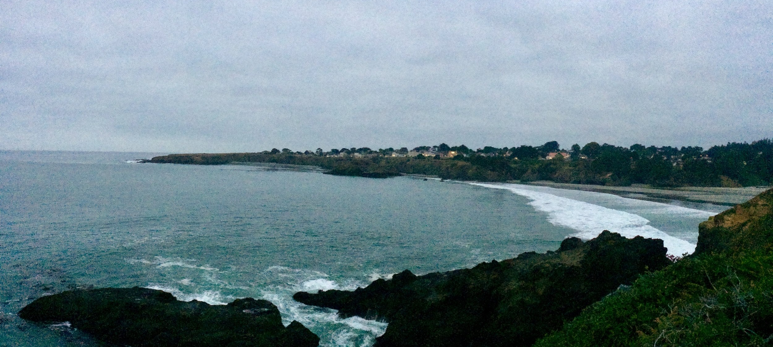Twilight vibes on the Mendocino Bay Viewpoint.