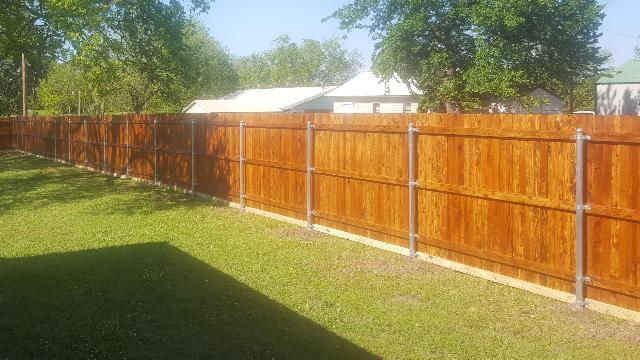 res wood fenceScreenshot_20180301-214129_resized.png