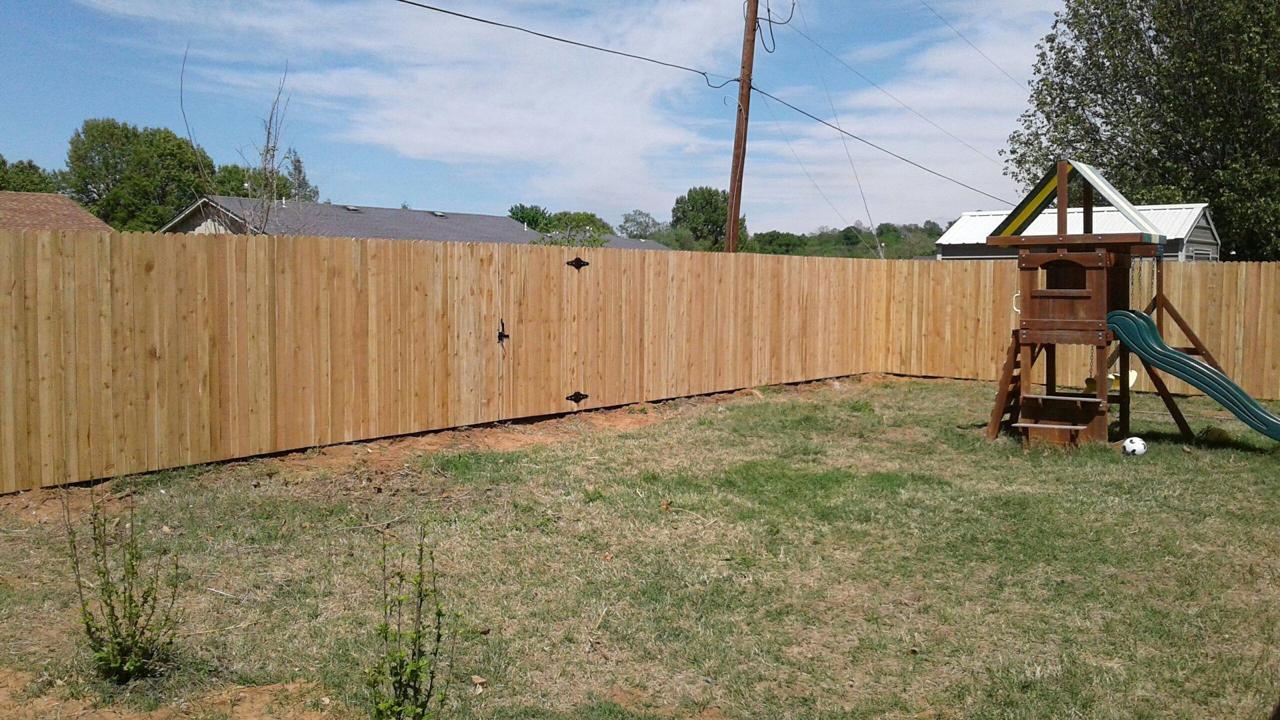 res wood fence-Resized_20180504_150914.jpg