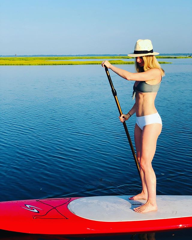 T-minus 1 week until I'm back in this sanctuary doing one of my favorite workouts. SUP is by far one of favorite ways to move. It combines everything I love 💗 being on the water, hearing wildlife, is a cheap therapy session, & it works majority of the muscles in my body! Find workouts you love and you'll find yourself moving more and loving it 💗!