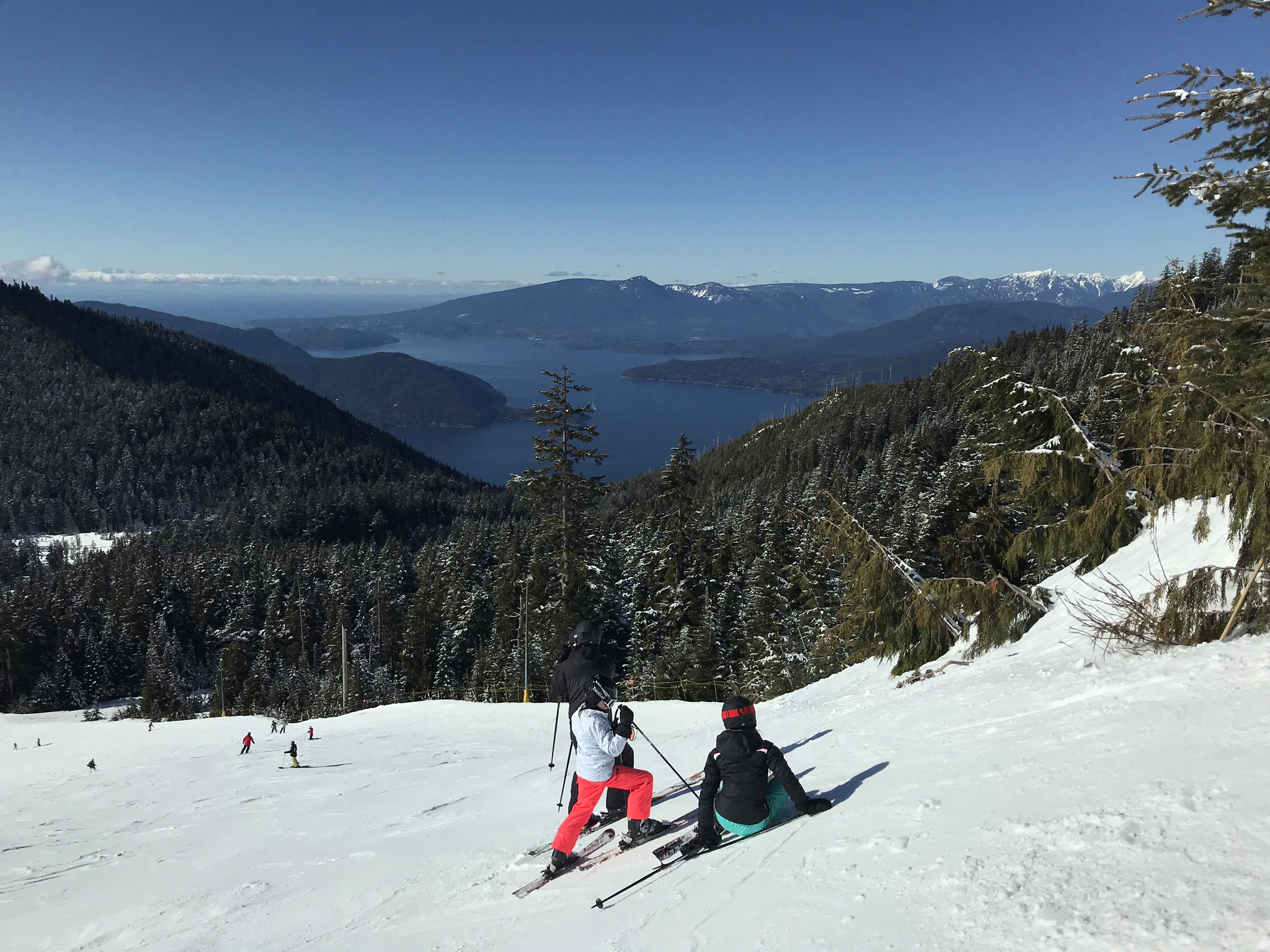 Sunny day on Cypress Mountain, 2018