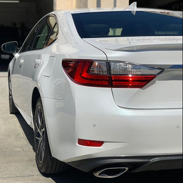 Pearl white Lexus Paint job. Fixed the rear bumper and quarter panel. Collision repair done right. Ready for customer pick up.  #lexus #ppgpaint #bodyshop #automotive #autodetailing #ES350 #autobodyshop #ghautobodypaint