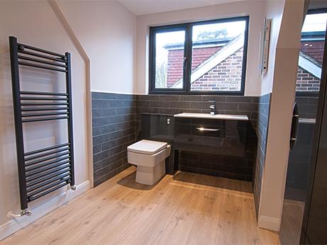 HQDB-Pine-Drive-Bathroom-1.jpg